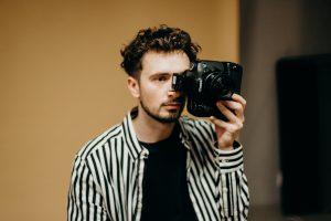 カメラマンとして就職するにはスタジオの撮影経験は必要?